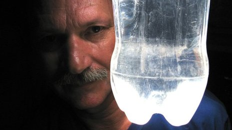 Moser_and_Bottle_Lamp